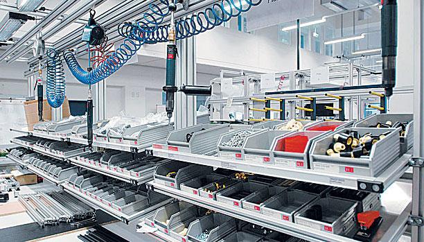 Fasten - panorama partes en angulo permiten para facil reabastecimiento desde atras de las estaciones de trabajo